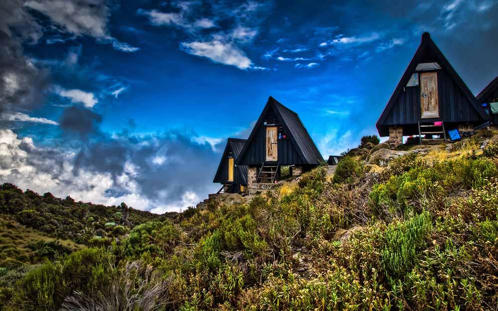 marangu-huts 1